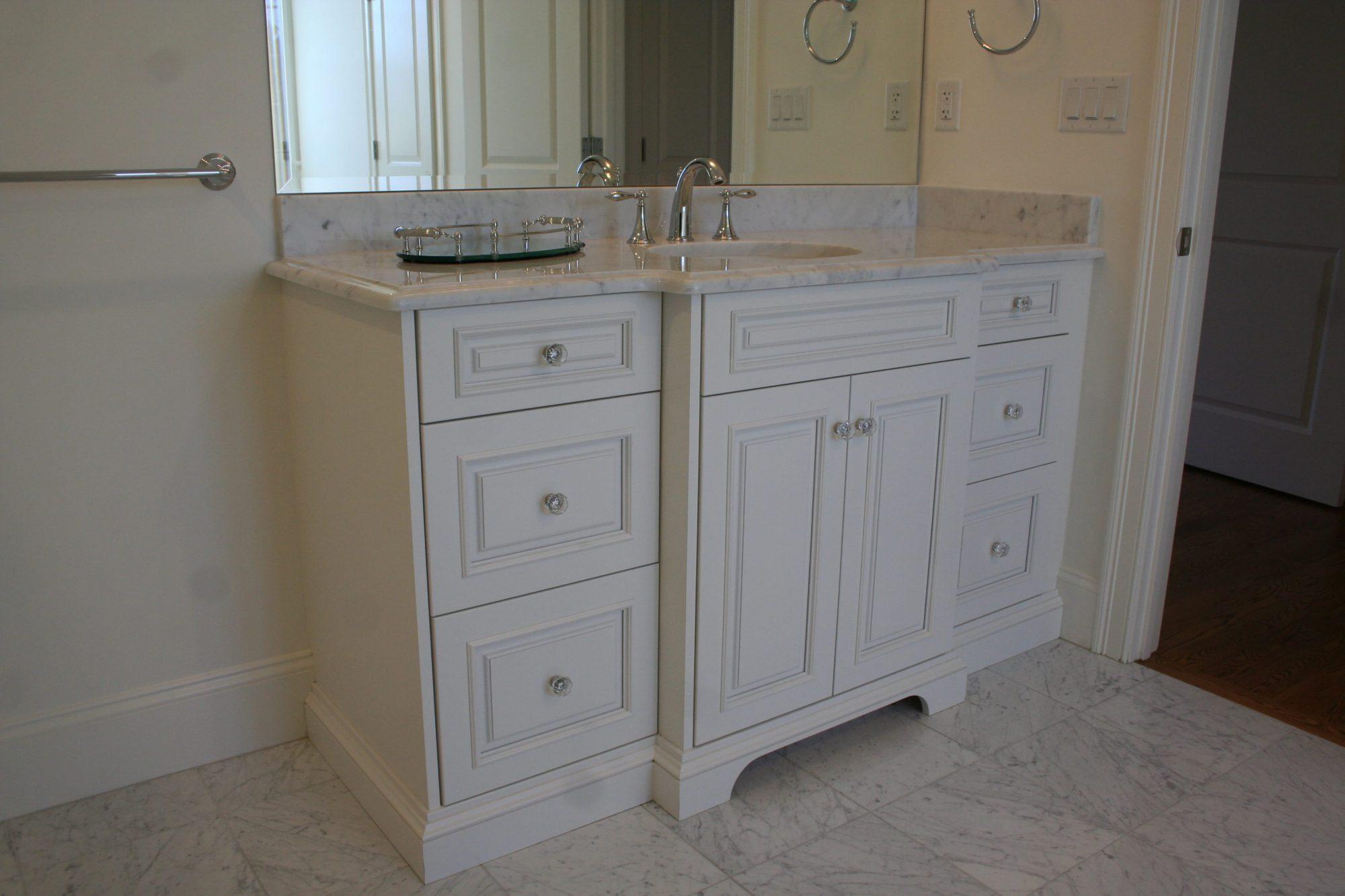 White Traditional Style Bathroom Vanity