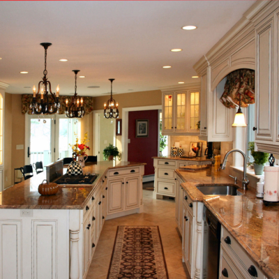 White Glazed Traditional Style Kitchen Cabinets