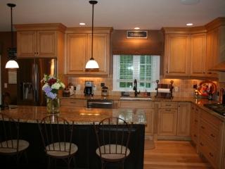 Maple Glazed Custom Kitchen Cabinets