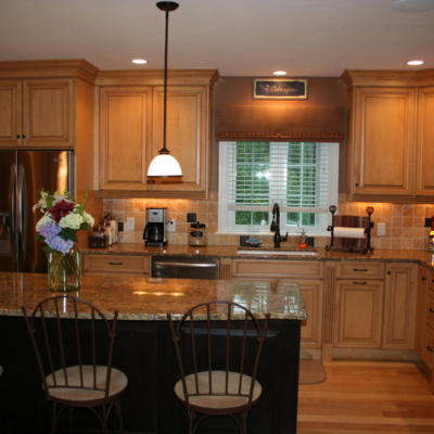 Maple Glazed Custom Kitchen Cabinets