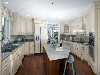 Traditional style kitchen in Topsfield, MA