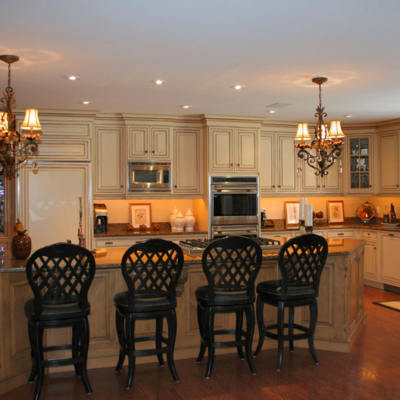 Custom kitchen cabinets in traditional style
